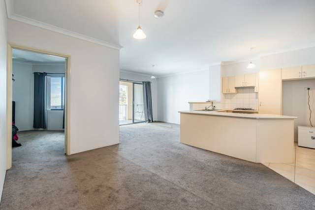34/17 Southdown Place, Thornlie WA 6108
