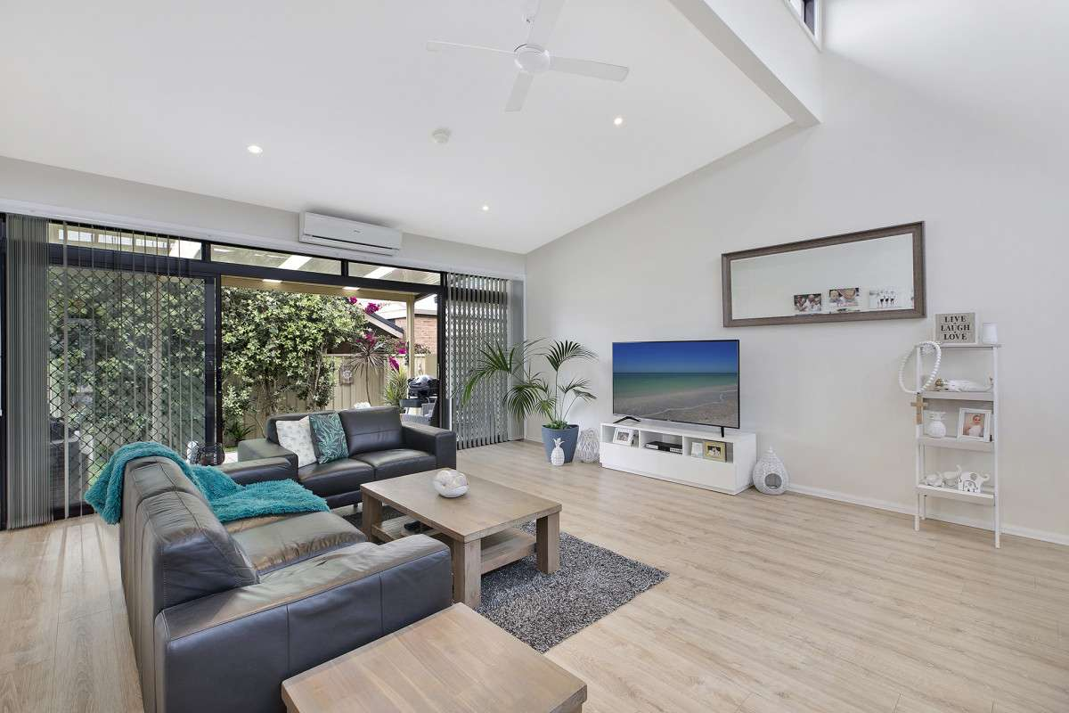 Main view of Homely villa listing, 1/62 Pacific Street, Long Jetty, NSW 2261