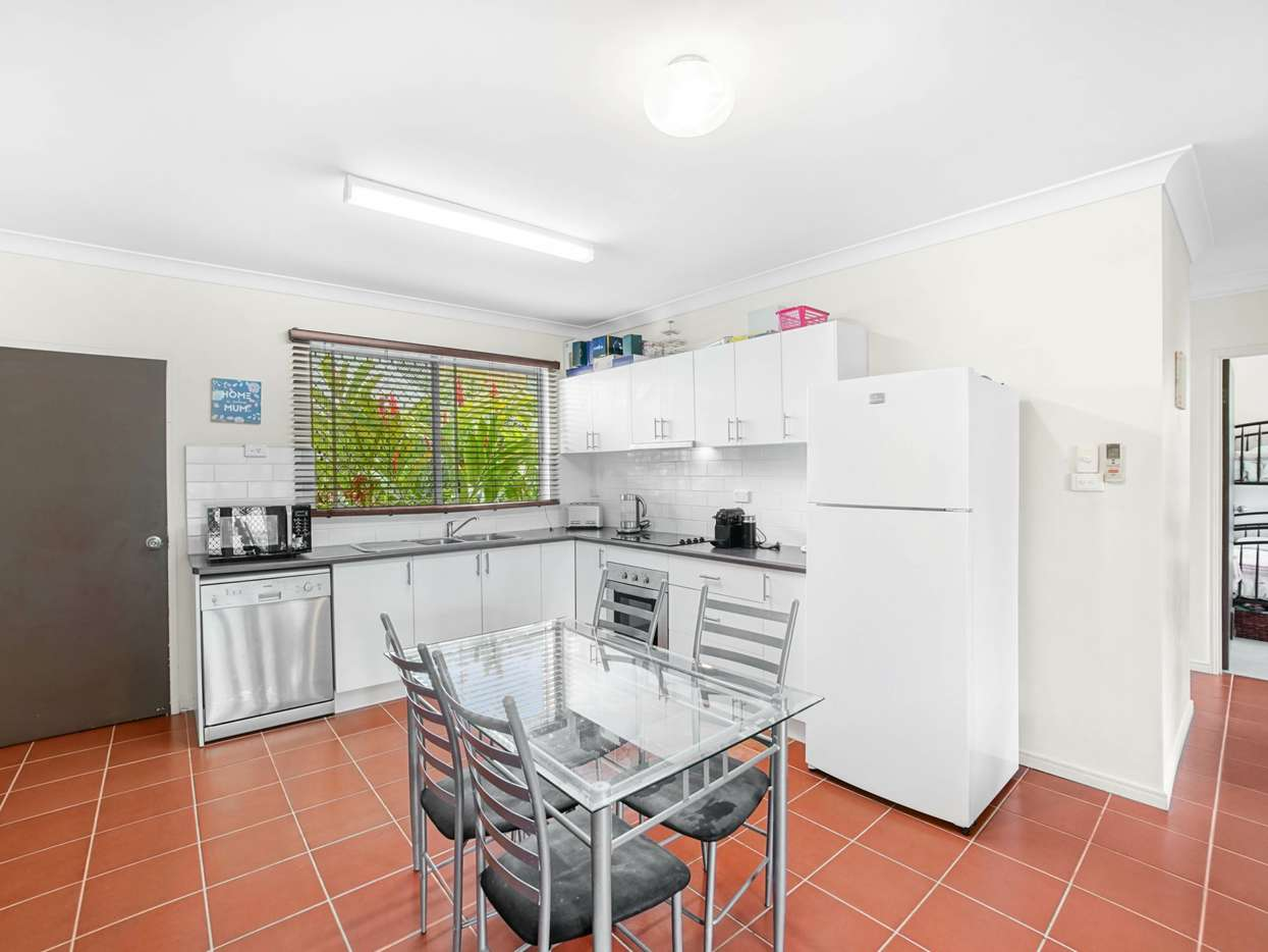 Main view of Homely unit listing, 2/16 Springfield Crescent, Manoora, QLD 4870