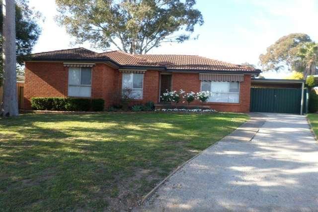 2 Bax Glen, St Clair NSW 2759