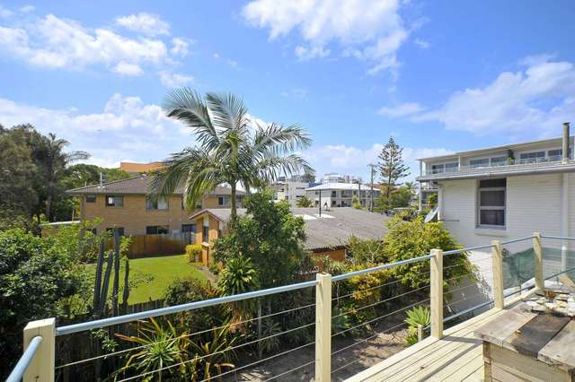 11 Tallebudgera Drive, Palm Beach QLD 4221