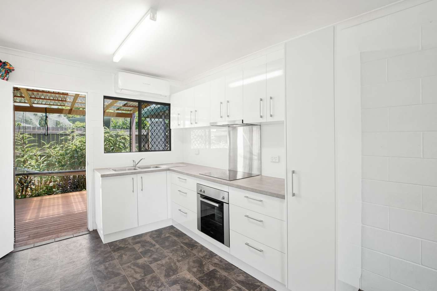 Sixth view of Homely unit listing, 4/40 Armbrust Street, Manoora QLD 4870