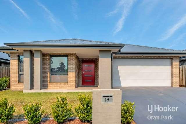 19 Franklin Grove, Oran Park NSW 2570