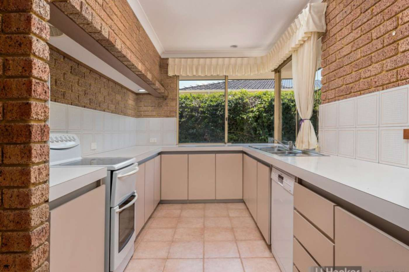 Seventh view of Homely house listing, 15 Demasson Rise, Leeming WA 6149
