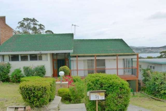 11 Penang Street, Point Clare NSW 2250