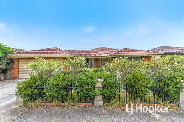 33 Redwood Avenue, Hampton Park VIC 3976