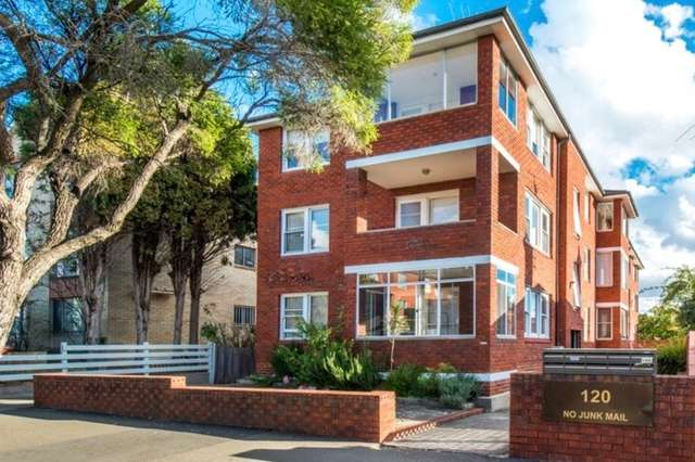 3/120 Perouse Road