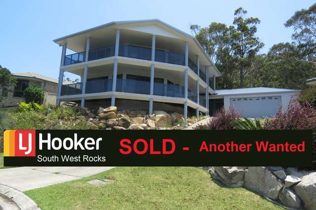 24 Peter Mark Circuit, South West Rocks NSW 2431