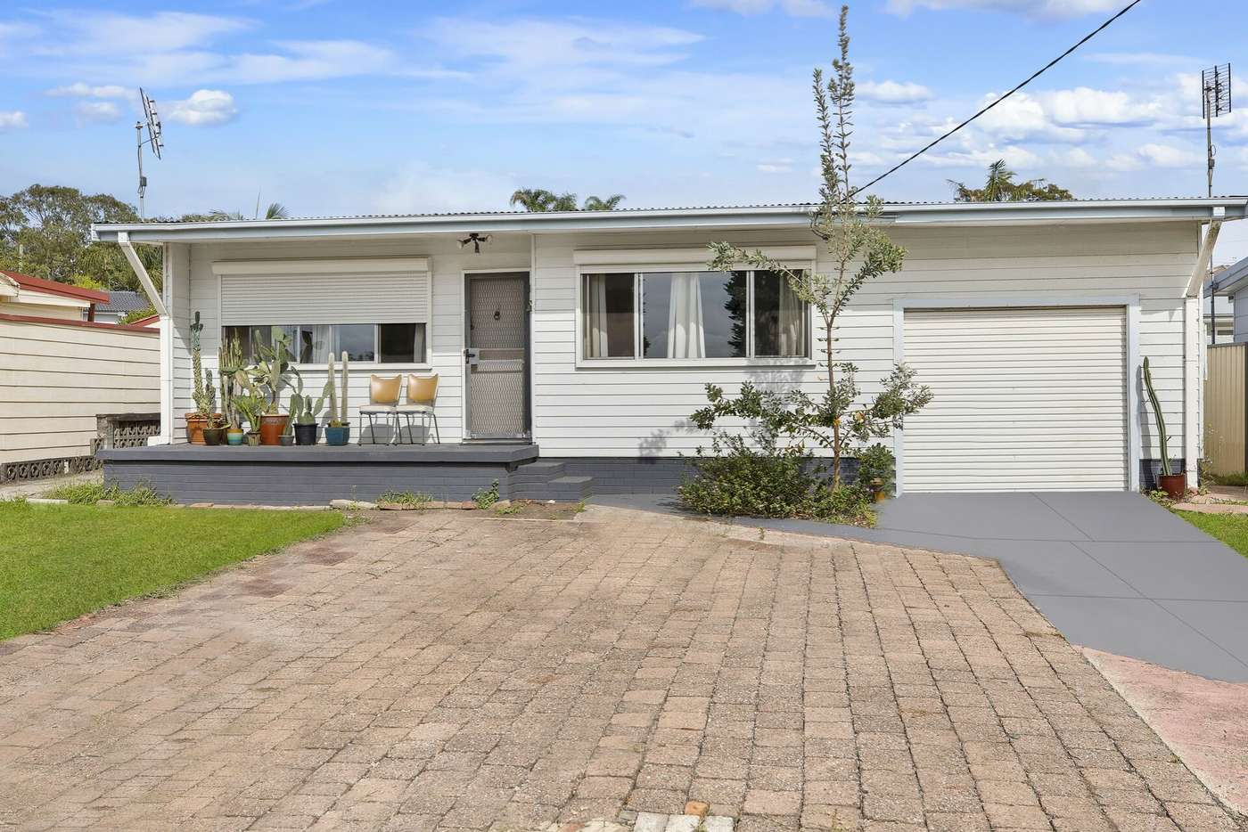 Main view of Homely house listing, 10 Delia Avenue, Budgewoi NSW 2262
