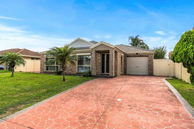 15 Rogan Crescent, Prairiewood NSW 2176