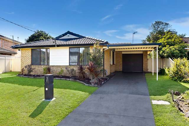 7 Adrian Close, Bateau Bay NSW 2261