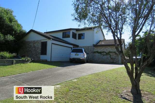 22 Emanuel Crescent, South West Rocks NSW 2431