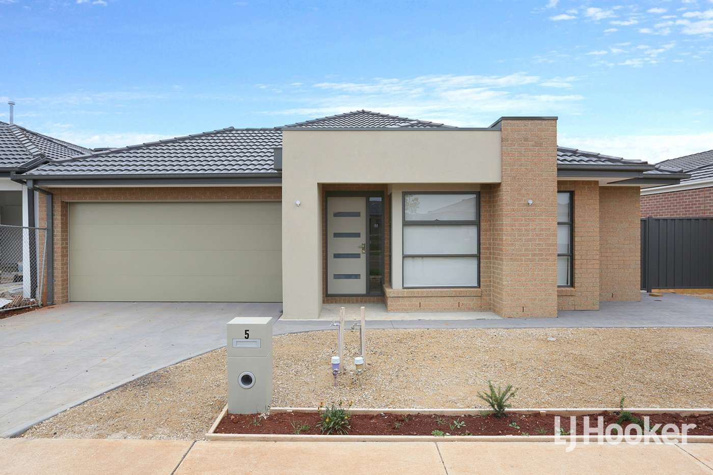 Main view of Homely house listing, 5 Wimbeldon Boulevard, Strathtulloh VIC 3338