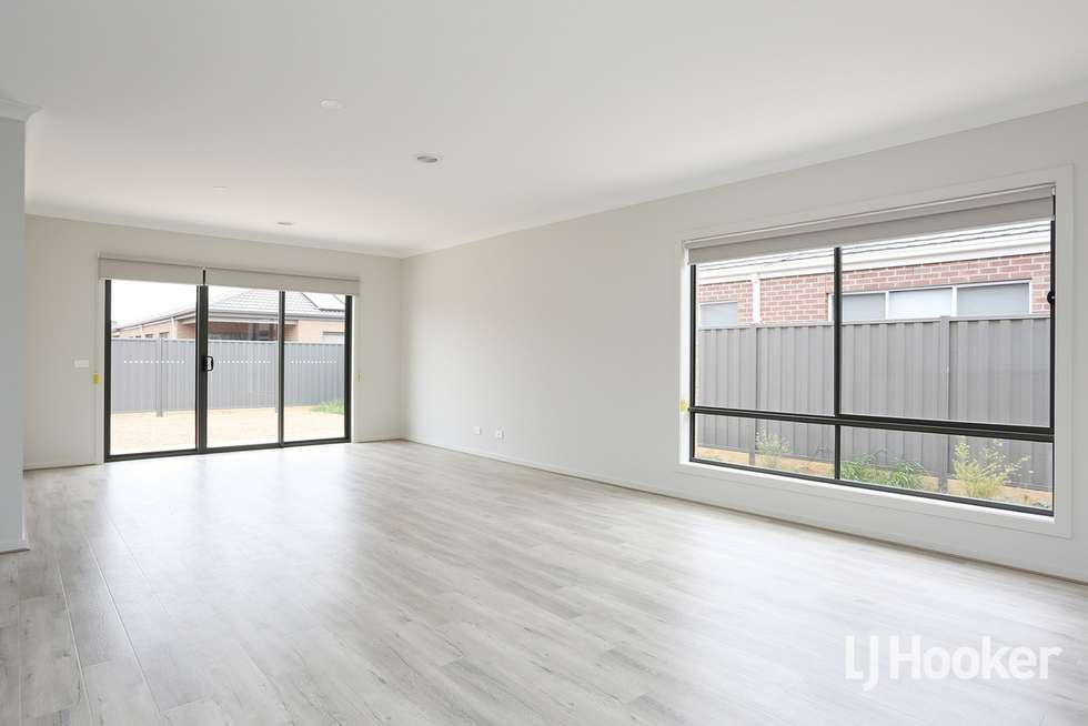 Fourth view of Homely house listing, 5 Wimbeldon Boulevard, Strathtulloh VIC 3338