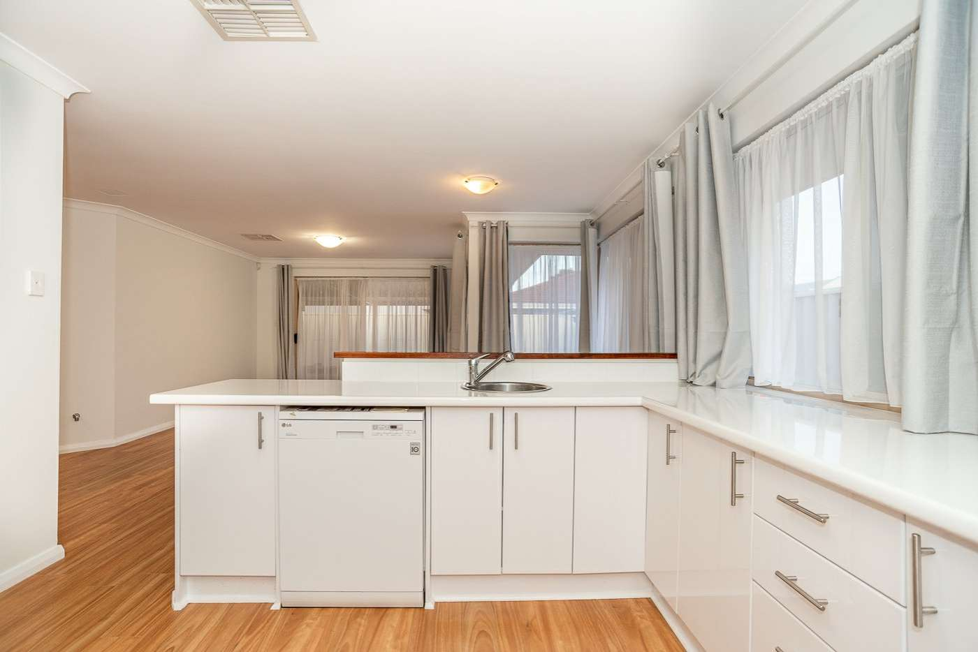 Sixth view of Homely house listing, 3 Mary Mackillop Glen, Queens Park WA 6107