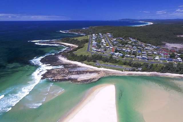 25 Seaside Pde, Dolphin Point NSW 2539
