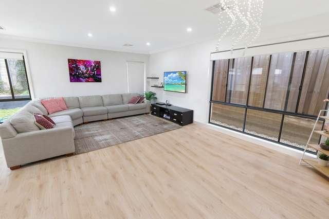 9 Feathertop Avenue, Minto NSW 2566