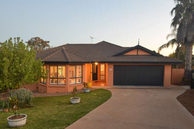 15 Mathew Crescent, Young NSW 2594