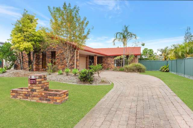15 Rangeview Court, Burleigh Waters QLD 4220