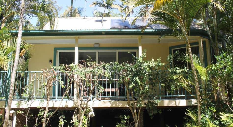 11/10-12 Tropic Lodge
