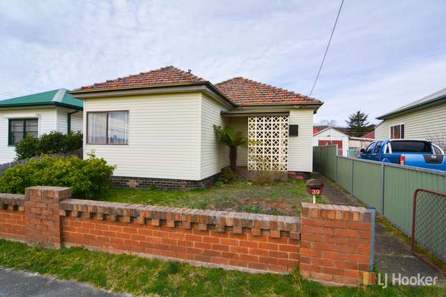 39 Rifle Parade, Lithgow NSW 2790
