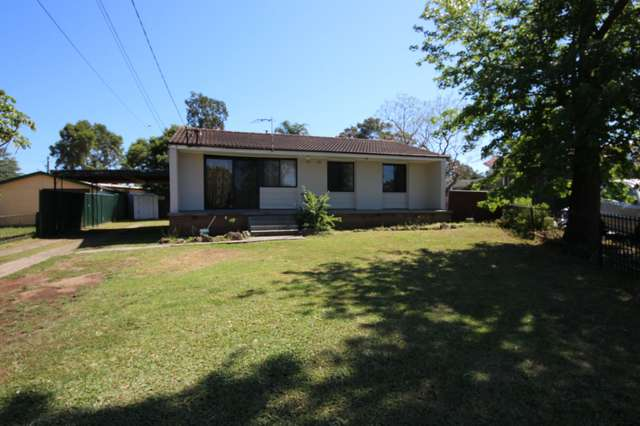 14 Field Place, Blackett NSW 2770