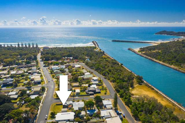 16 The Parade, North Haven NSW 2443