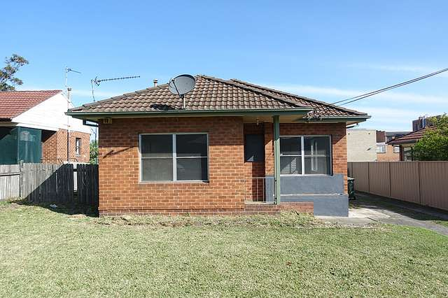 9 Montgomery Avenue, Warrawong NSW 2502