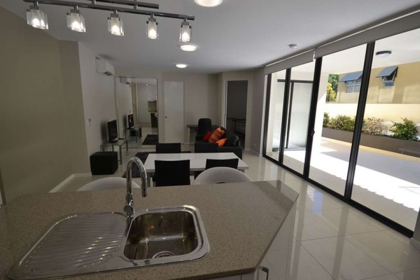 Main view of Homely apartment listing, 2/450 Main Street, Kangaroo Point QLD 4169