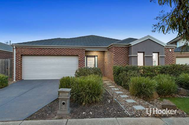 8 Mystic Grove, Point Cook VIC 3030