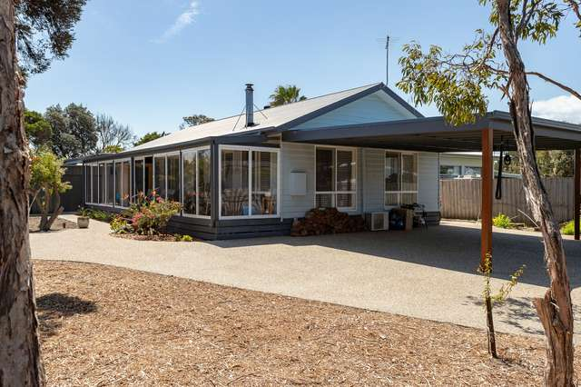 2A Fern Ave, Surf Beach VIC 3922