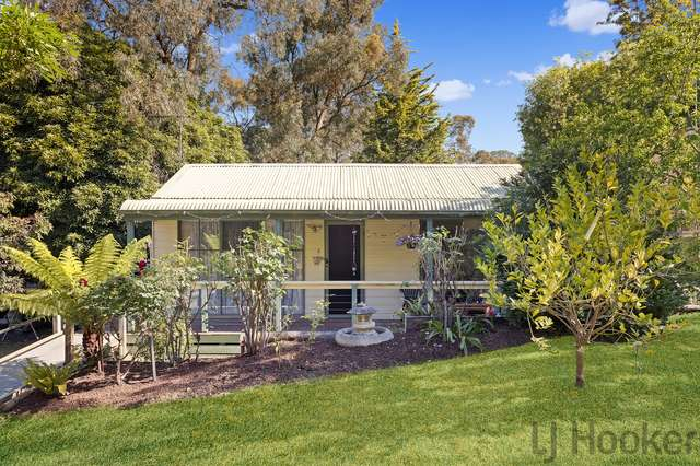 10 Eastfield Road, Croydon South VIC 3136