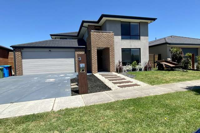 3 Bellsquarry Avenue, Cranbourne East VIC 3977