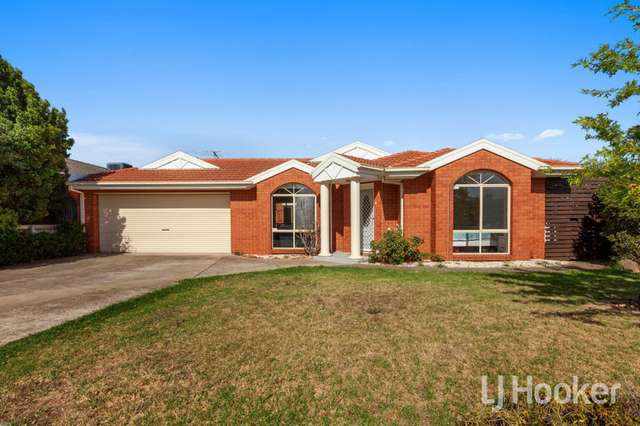 18 Paola Circuit, Point Cook VIC 3030