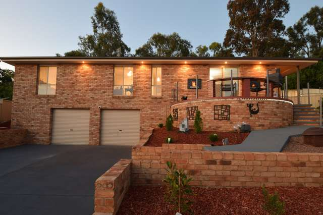 6 Hambrook Place, Young NSW 2594