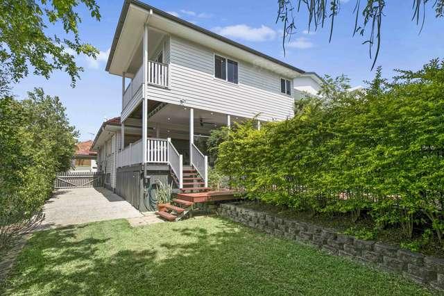 11 Lily Avenue, Yeronga QLD 4104