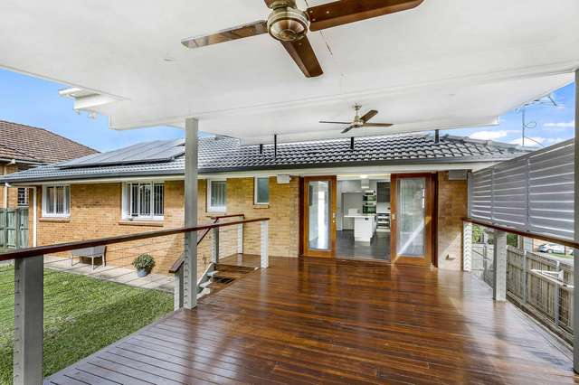 56 Nicklin Street, Coorparoo QLD 4151