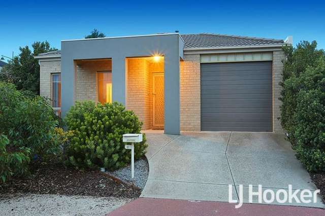 8 Tanner Mews, Point Cook VIC 3030