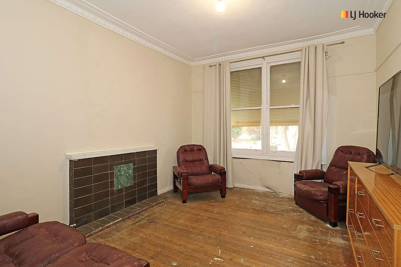 Sixth view of Homely house listing, 25 Phillip Avenue, Mount Austin NSW 2650