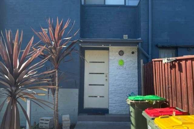 27 Grampine Ave, Minto NSW 2566