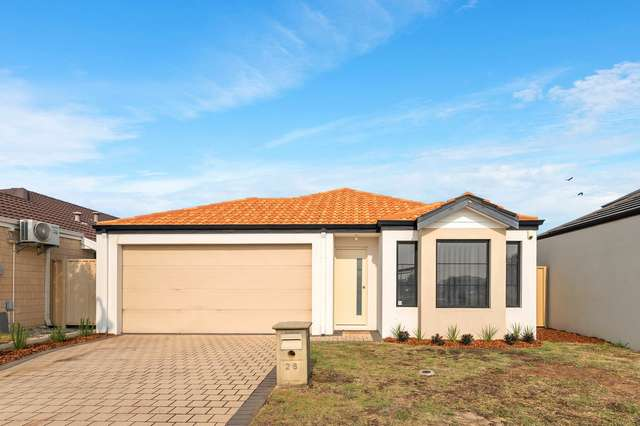 28 Fairlie Road, Canning Vale WA 6155