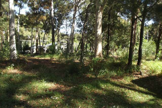 2 Baracoota Street, Macleay Island QLD 4184