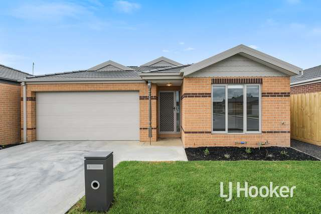 16 Newcastle Street, Officer VIC 3809