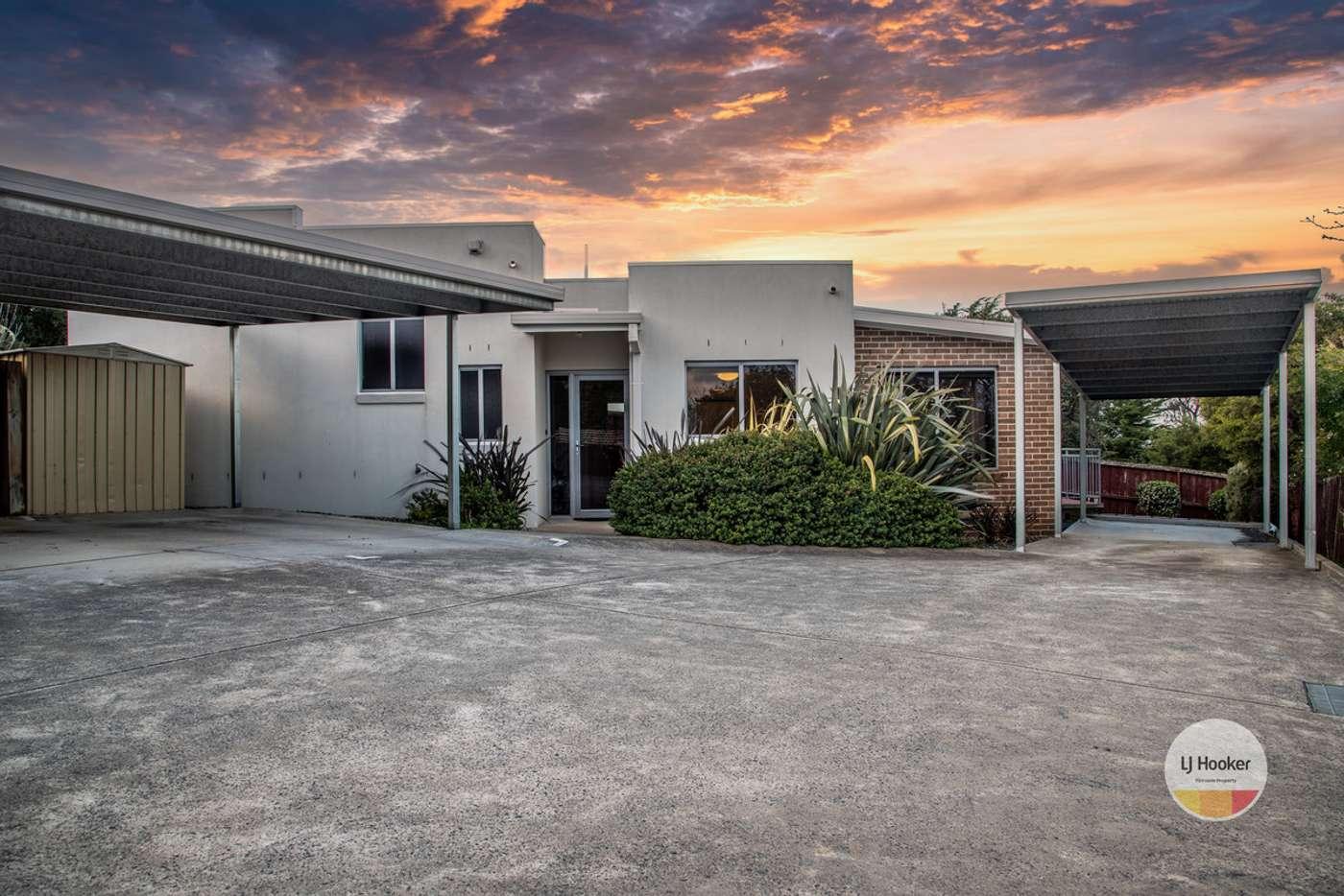 Main view of Homely unit listing, 2/8 Kiama Place, Blackmans Bay TAS 7052