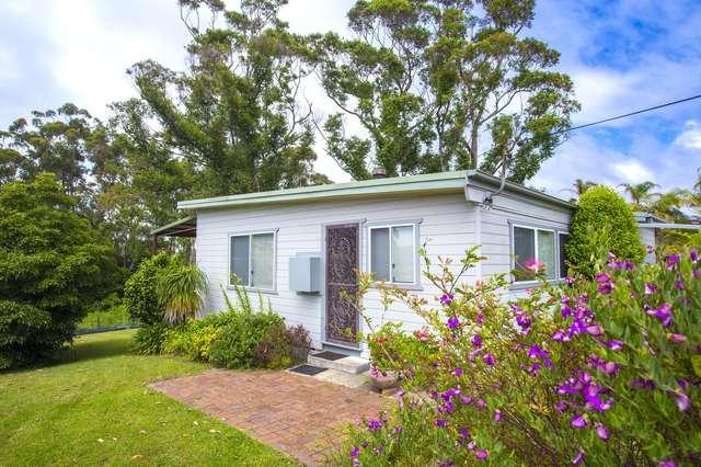 13 Weymouth Drive, Lake Tabourie NSW 2539