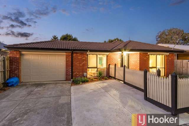 18 Elcan Avenue, Cranbourne West VIC 3977