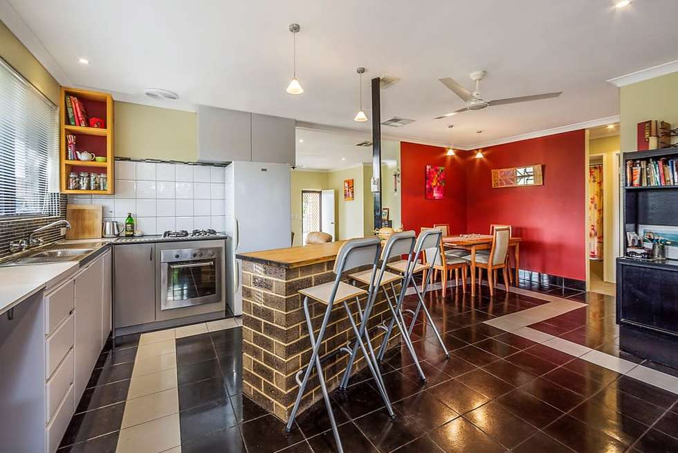 Second view of Homely house listing, 6 Camfield Loop, Parmelia WA 6167
