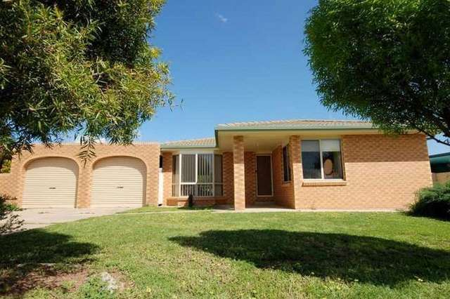 9 Langi Crescent, Glenfield Park NSW 2650