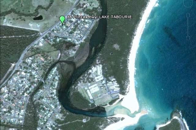 86 Princes Highway, Lake Tabourie NSW 2539