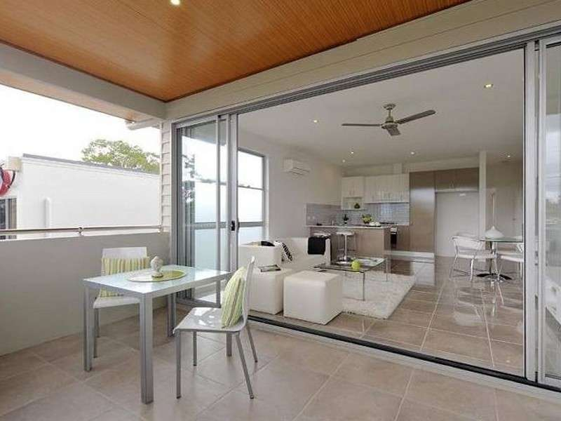 Main view of Homely unit listing, 2/4 Newman Avenue, Camp Hill, QLD 4152